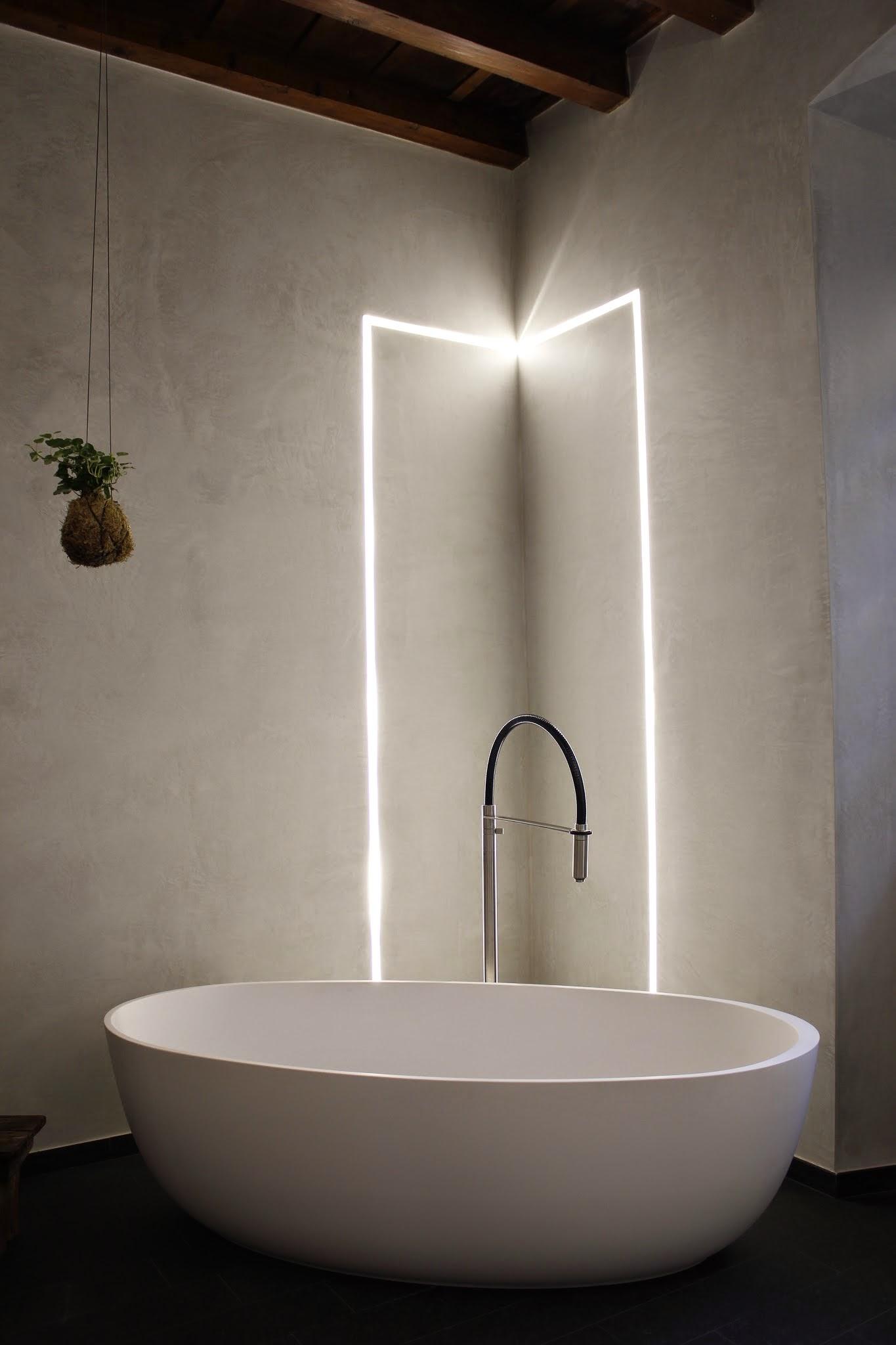 Vetrina contemporanea soggiorno - Ikea illuminazione bagno ...