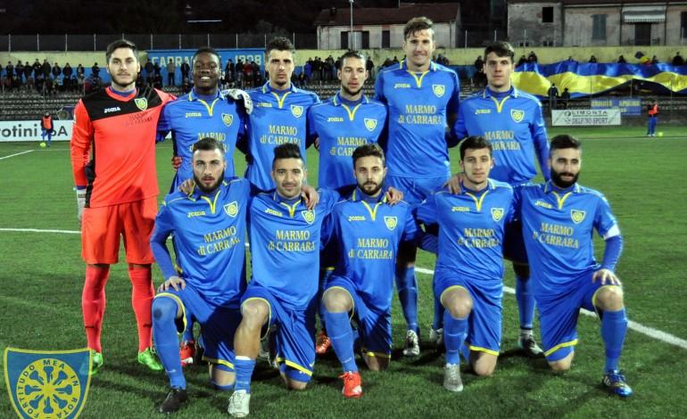 Carrarese: gli azzurri sconfitti dal Santarcangelo.