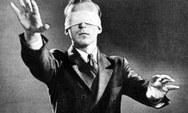 """Credere, obbedire, comunicare: l' """"assalto"""" ai CAF tra mito e realtà"""