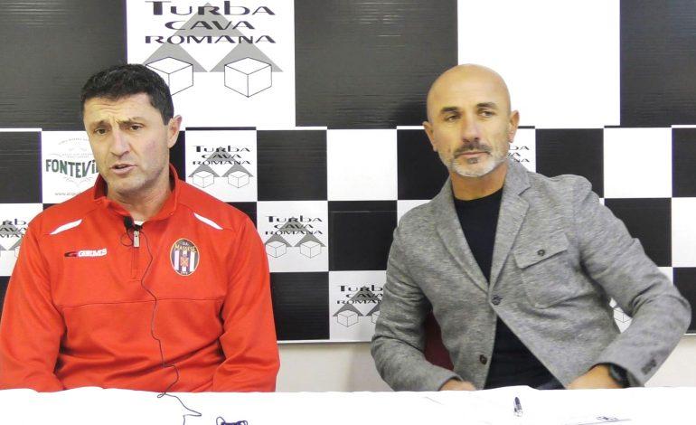 Conferenza stampa V. Bonuccelli ed M. Manfredi prima di Sinalunghese – Massese . Dell'11/01/19